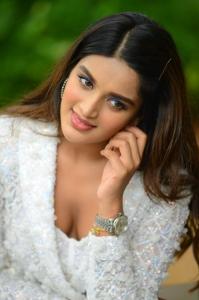 Nidhi-Aggarwal-75