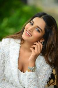 Nidhi-Aggarwal-80